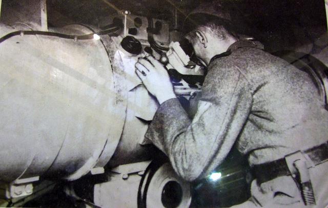 German Soldier using Rangefinder in Jersey